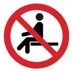Забраняващ знак, Знак забранено сядането на повърхността